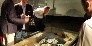 Захи Хавас во посета на Археолошкиот музеј на Македонија